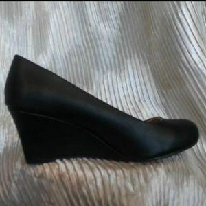 Women's Low Wedge Heel Pumps Slip On